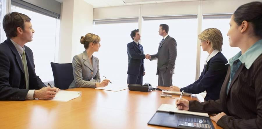 Смена руководителя юридического лица – что нужно знать?