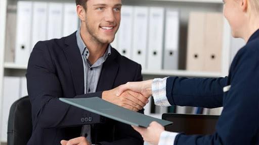 Полезно для резидентов ПВТ. Как принять на работу иностранца?